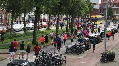 """1.800 lopers kwart marathon Utrecht verkeerde kant op: """"Vier kilometer gewandeld, mijn tank was leeg"""""""