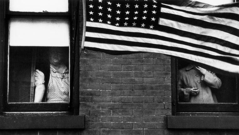 Parade - Hoboken, New Jersey. Beeld Robert Frank