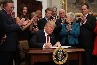 trump-start-nieuwe-poging-tot-afbraak-van-nachtmerrie-obamacare