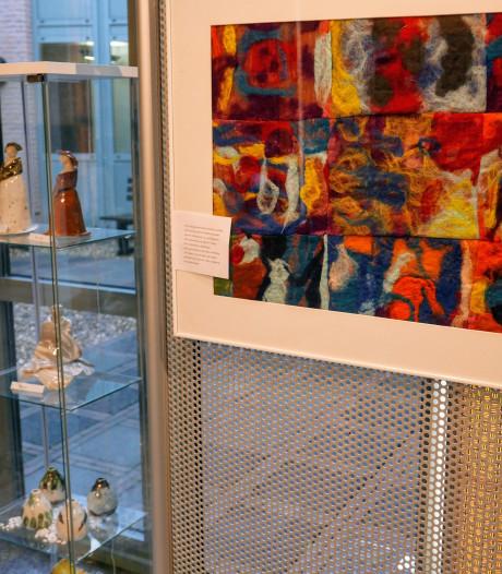 Kunst van bewoners Buitenhuis in gemeentehuis Haaren