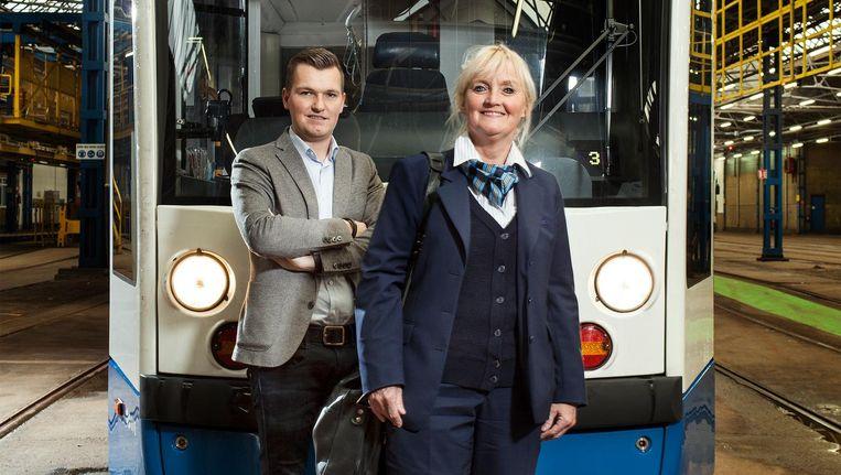 Willeke Helmers (51) en haar zoon Tom Teijsse (21) Beeld Friso Keuris
