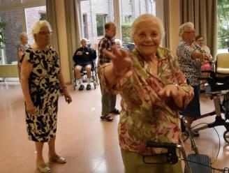 """Ook woonzorgcentrum Sint-Pieter gaat Jerusalema Challenge aan: """"Hopelijk krijgen we heel Vlaanderen aan het dansen"""""""