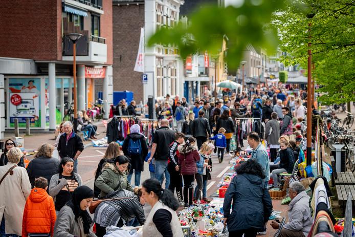 Geen festiviteiten in Almelo dit jaar op Koningsdag, dus ook de Oranjemarkt gaat niet door.