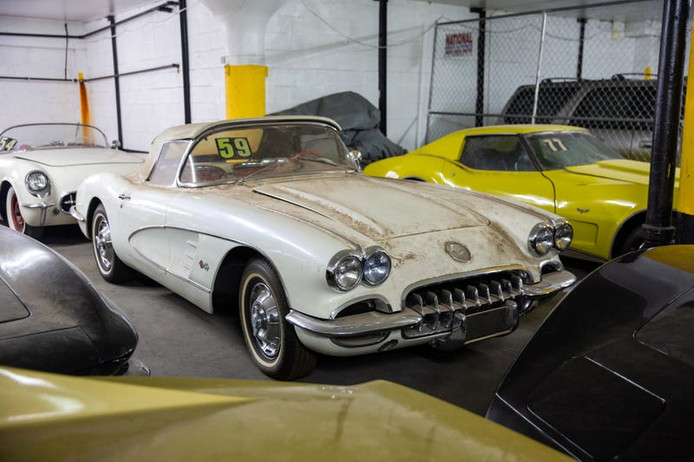 Enkele van de 36 Corvettes die zijn opgedoken in Manhattan