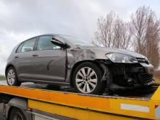 Bromfietser gewond bij botsing met auto Oud-Vossemeer