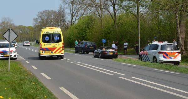 Kettingbotsing met drie auto's in Putten: 'jong meisje' gewond.