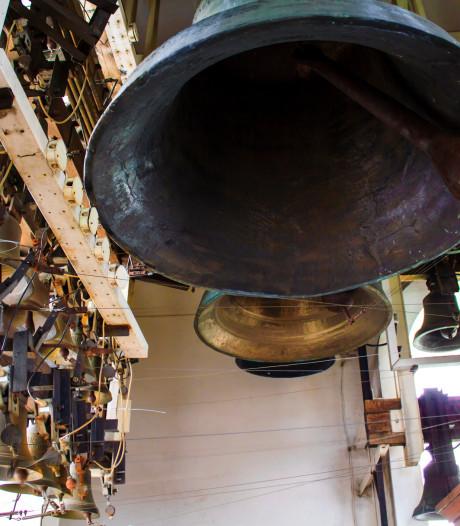 Het carillon in Budel speelt weer