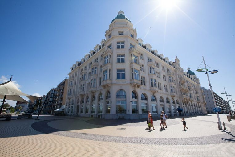 Residentie Palace, al een eeuw de blikvanger op de Zeedijk van Zeebrugge.