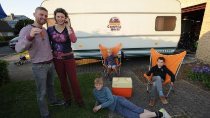 Koppel bouwt escape room in caravan
