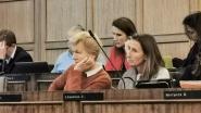 """Eerste minister Wilmès (MR) daagt op voor gemeenteraad: """"Drukke agenda, maar als het lukt ben ik graag aanwezig"""""""
