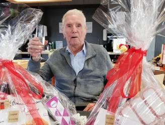 Stichter van Vandelanotte blaast 101 kaarsjes uit en schenkt aperitief aan medebewoners zorghotel H. Hart