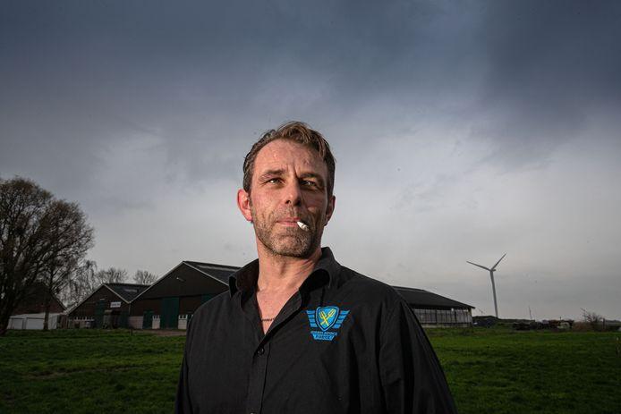 Na zijn vertrek bij Farmers Defence Force, treedt Jeroen van Maanen uit Zeewolde nu toe tot de Nederlandse Melkveehouders Vakbond.