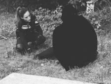 Politie Harderwijk vindt zwijgende verwarde vrouw langs A28 die bang is voor mannen