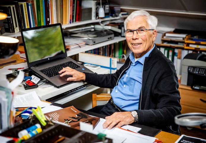 De gemiddelde leeftijd van promovendi ligt dan wellicht lager, Pieter Vree (79) is in alle opzichten de geijkte student.