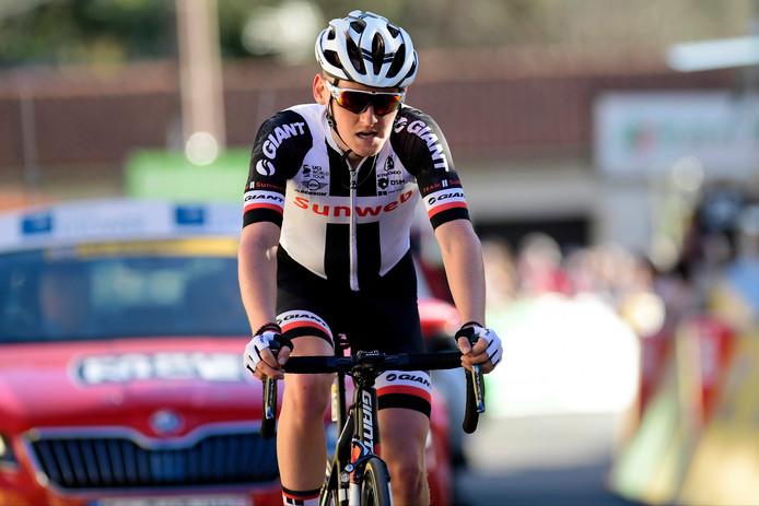 Sam Oomen tijdens de zesde etappe van Parijs-Nice.