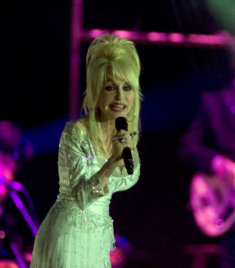 Twee wereldrecords voor countrykoningin Dolly Parton