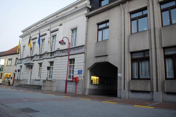 Het gemeentehuis in Nevele.