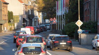 Drie weken wegomlegging voor aanleg van lussen die verkeerslichten in Leupegem beter moeten regelen
