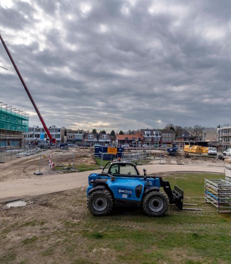 Dorpsplein Halsteren voor zomer klaar: supermarkt en vier appartementencomplexen krijgen nieuw jasje