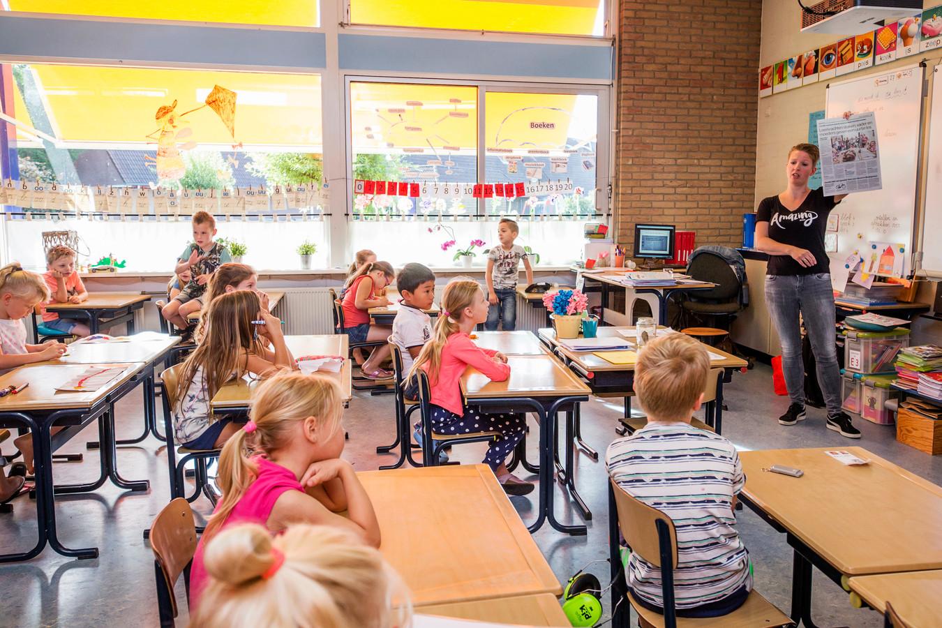Moeders namen vorig jaar de les over op basisschool De Goede Herder in Bodegraven.
