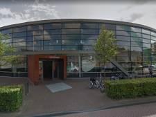 't Warnshuus in zwaar weer bij vertrek bibliotheek