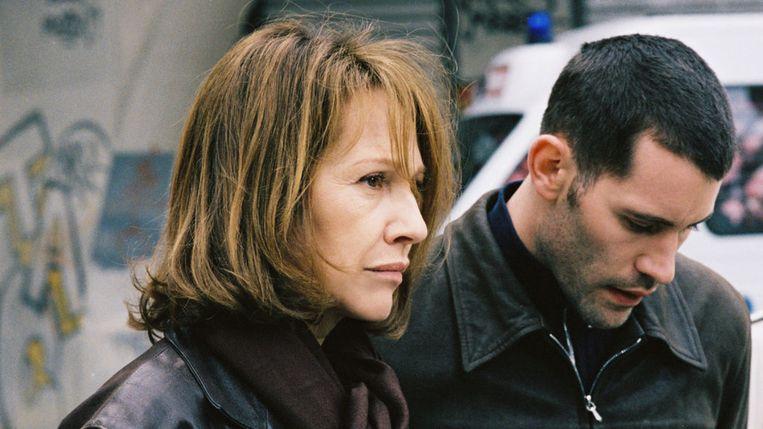 Nathalie Baye en Jalil Lespert in Le petit lieutenant van Xavier Beauvois. Beeld