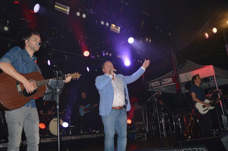 Luc Jones met Bram & Lennert op de parkconcerten in Ninove