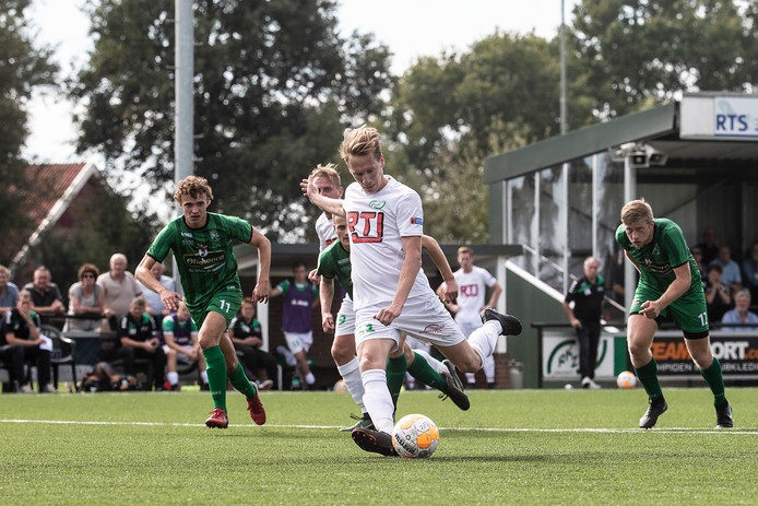 RKZVC won zondag met 3-0 van Hollandia.