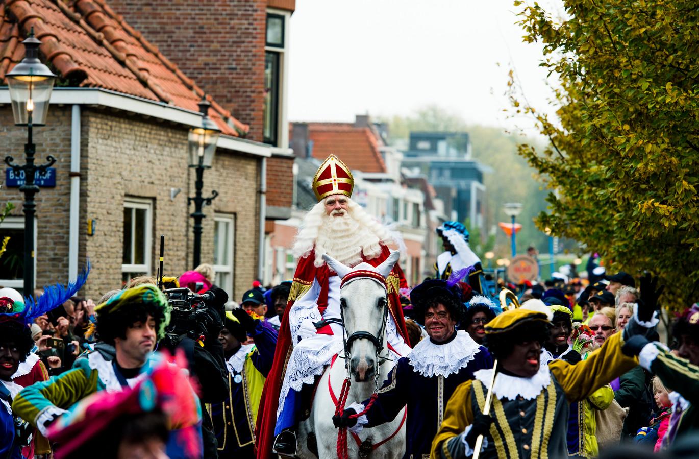 Minister Vertrouwt Op Oplossing Nationale Sinterklaasintocht Foto Ad Nl