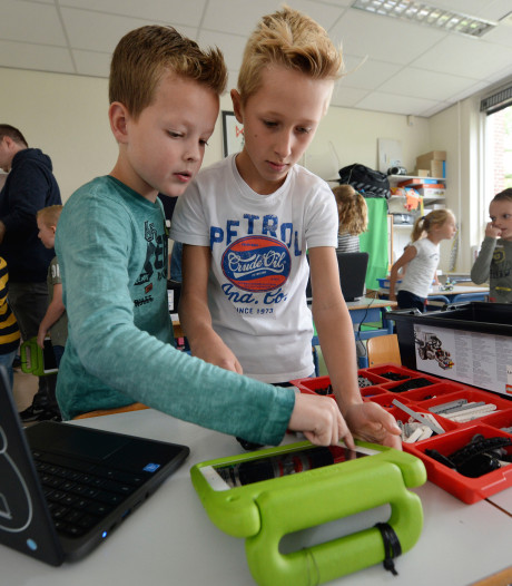 Leerlingen van Pius X in Haaksbergen doen al  aan wetenschap en technologie