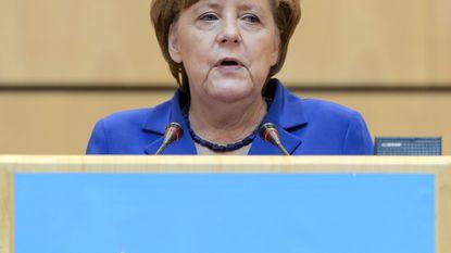 Merkel roept WHO op globaal rampenplan op te stellen