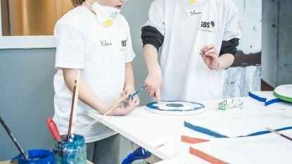 KTA en Stadspoort schilderen 'De Kampioenen'