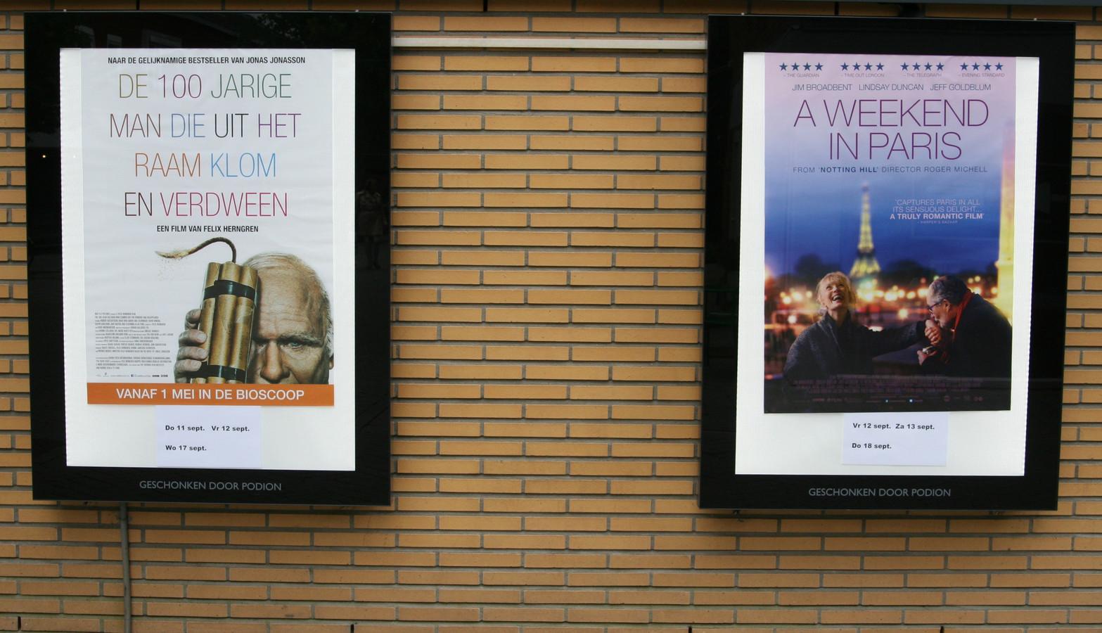 Posters aan de muur, in tijden dat het Filmhuis nog open was. In september gaat de zaal weer open.