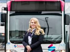 Lia en Lucille zijn buschauffeur: 'Voor vrouwen is het heel goed te doen'