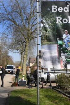 Bijzonder afscheid van stratenmaker Henk (Robbie) Robben: iedereen in de auto