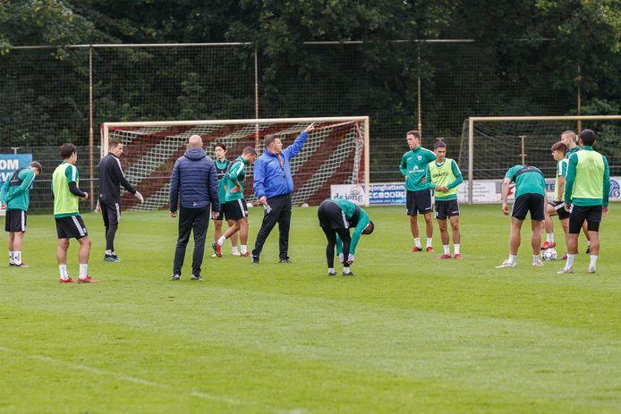 Oefenschema Pec Zwolle Eerst Cambuur En Jong Fc Utrecht Daarna Onderonsje Met Robben Pec Zwolle Destentor Nl