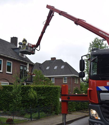 Zolderbrand leidt naar wietkwekerij in Varsseveld: bewoner aangehouden