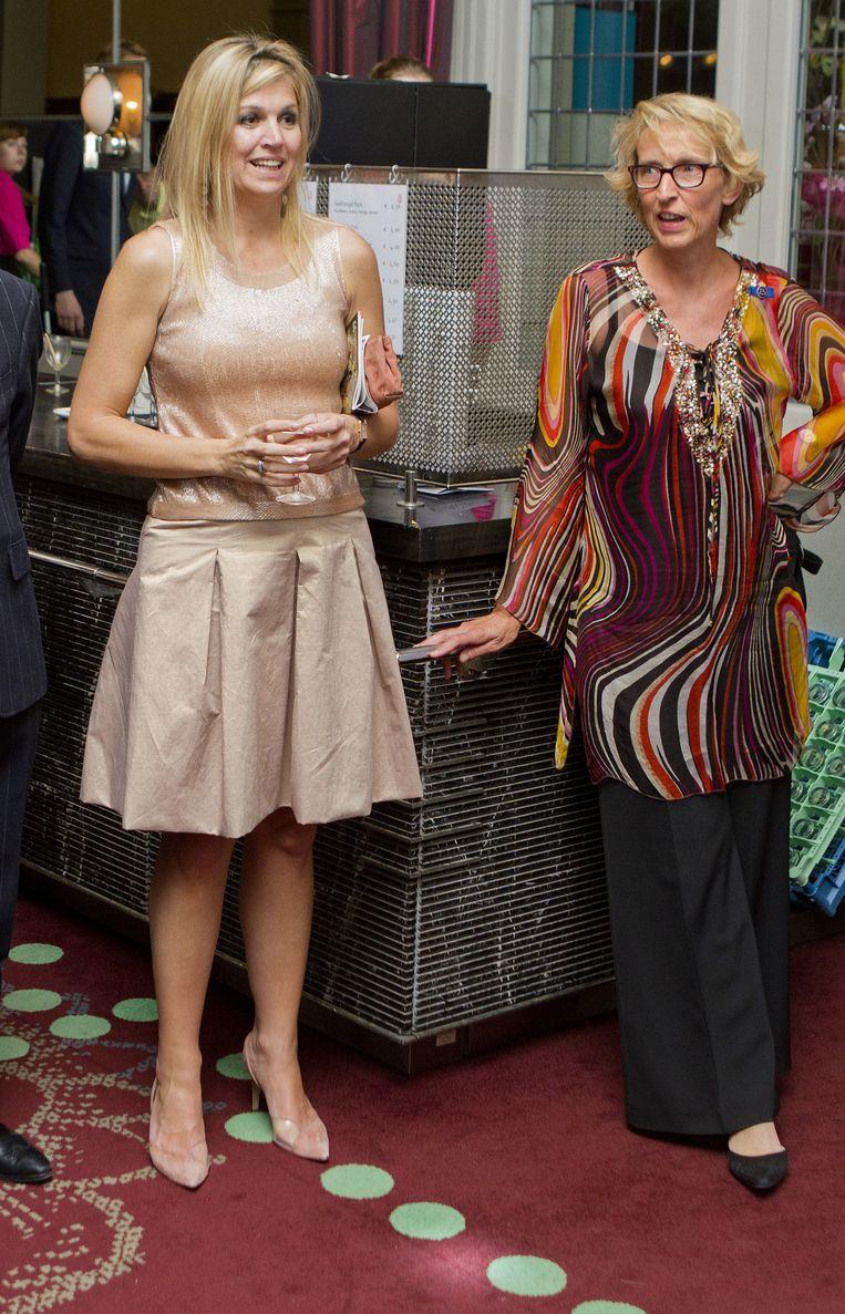 Pien Zaaijer naast koningin Máxima. Beeld Patrick van Katwijk