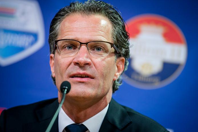 Berry van Gool rekent voor dat Willem II financieel gebaat is bij degradatie van FC Twente.