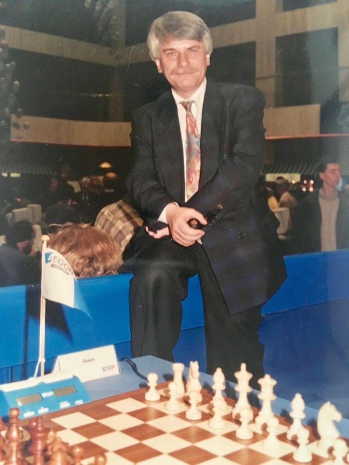 Cock de Gorter tijdens een Aegon computer-schaaktoernooi.