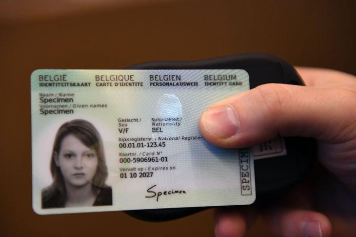 Illustratie nieuwe elektronische identiteitskaart.
