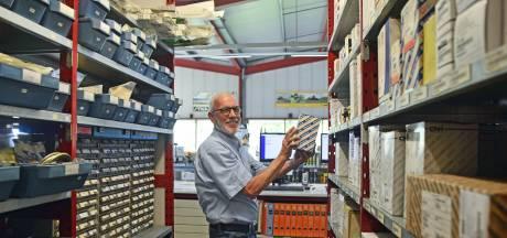 Kees Stouten maakt vijftig jaar vol bij hetzelfde bedrijf