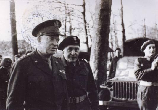 Generaal Dwight D. Eisenhower (links) met generaal Stanislaw Maczek, de commandant van de Eerste Poolse Pantserdivisie, op 29 november 1944 in Ulvenhout, precies een maand na de bevrijding van Breda.