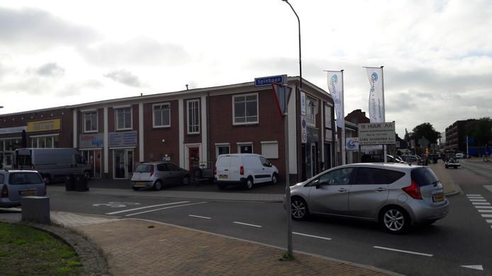 De hoek Spinbaan-C. Missetstraat.