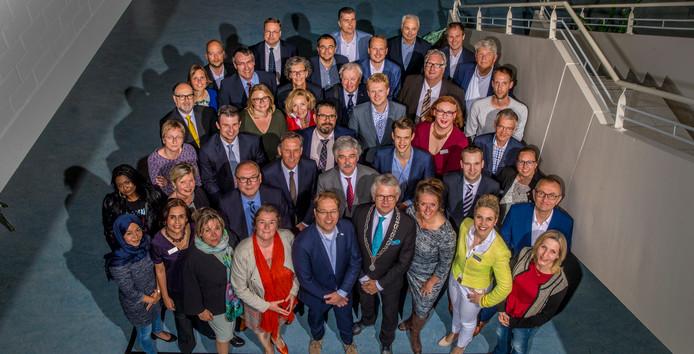 Binnen de Apeldoornse gemeenteraad bestaat bij de VVD, het CDA en Lokaal Apeldoorn onduidelijkheid over de zonder vergunning geplaatste zorgunit aan het Gooiland. Ze eisen opheldering.