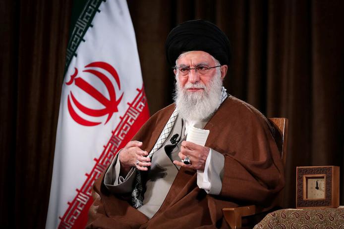 Ayatollah Ali Khamenei haalt in een toespraak voor de Iraanse televisie hard uit naar de Verenigde Staten.