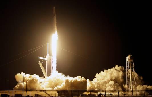 De lancering van de raket met capsule Space Dragon was gisteren vanaf Cape Canaveral in het Amerikaanse Florida.