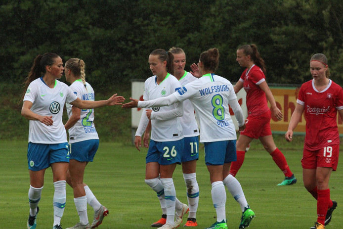 VfL Wolfsburg kon in 2018 vier keer juichen in een oefenduel. Ook in 2019 was de Duitse formatie te sterk: 5-0. Kan Twente in de Champions League wel stunten?