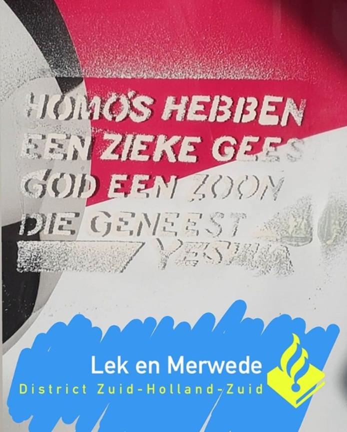 Homohaat op bushokjes in Gorinchem begin dit jaar.
