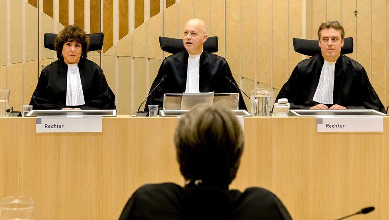 (VLNR) Rechters Elianne van Rens, Hendrik Steenhuis en Sijbrand Krans voorafgaand aan de uitspraak in het strafproces tegen Geert Wilders. Beeld anp